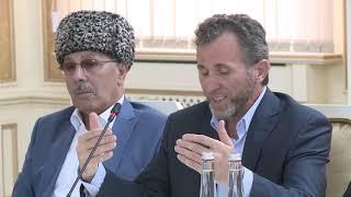 Юнус-Бек Евкуров встретился с выходцами из населенных пунктов на границе Чечни и Ингушетии