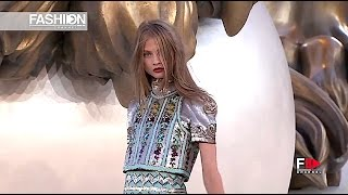 CHANEL Fall Winter 2010 2011 Haute Couture Paris   Fashion Channel