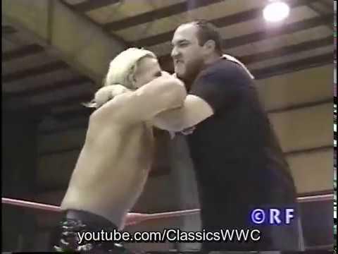 IWA: Shane & Zaruxx vs. Miguel Pérez Jr. & Huracán Castillo Jr. 2000