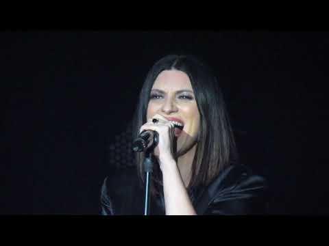 Le Due Finestre (live) - Laura Pausini World Tour 2018 thumbnail