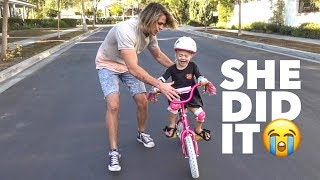 Download TEACHING EVERLEIGH HOW TO RIDE HER BIKE FOR THE FIRST TIME!!! (NO TRAINING WHEELS) Mp3 and Videos