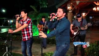 Los Nuevos Ilegales Ft. Los Del Arroyo - Soy Sereno, Soy Tranquilo (En Vivo 2015)