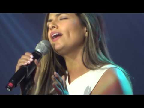 Bethany Mota - Flashlight (cover) @ YTFF Manila