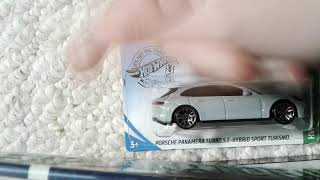 Porsche panamora turbo s e-hibrid sport turismo hot wheels review