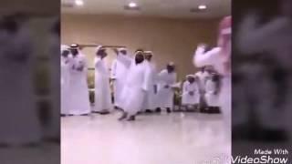 مجنون يرقص هههههههه