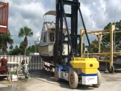 Boat bottom washing filtration system