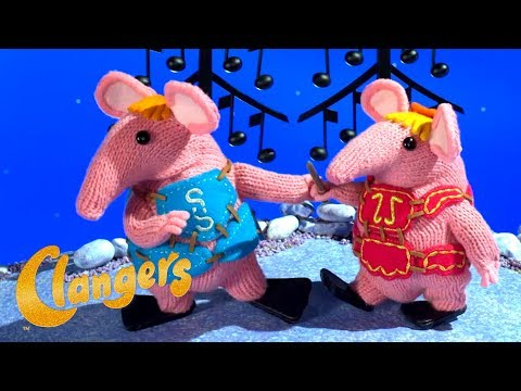 COLLECTABLE SET OF 2 CLANGERS FIGURES FROM THE TV SERIES SMALL /& TINY CLANGER