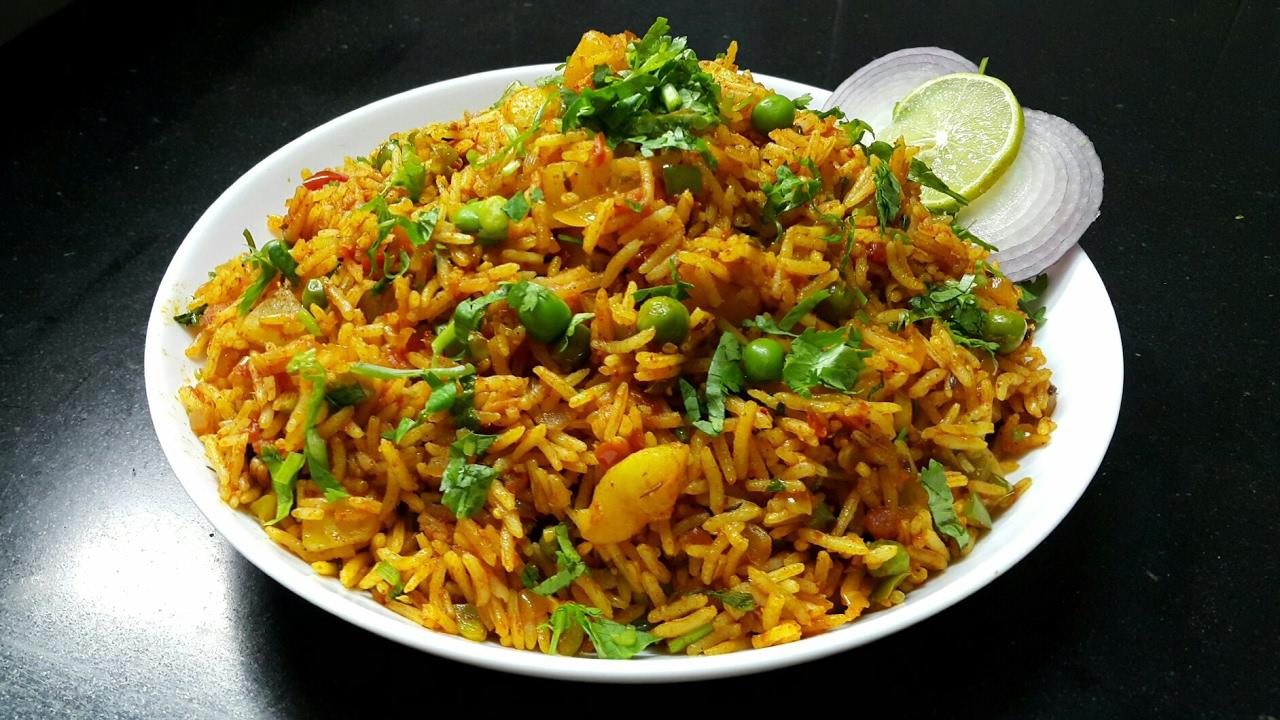 Tawa Pulao Recipe Mumbai Style Tawa Pulao Restaurant Style Indian Rice Recipe Youtube