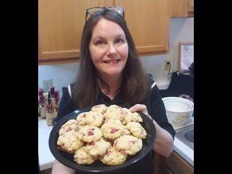 baking-lemon-rhubarb-cookies