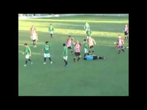 Soccer played punches referee in the throat and kills him