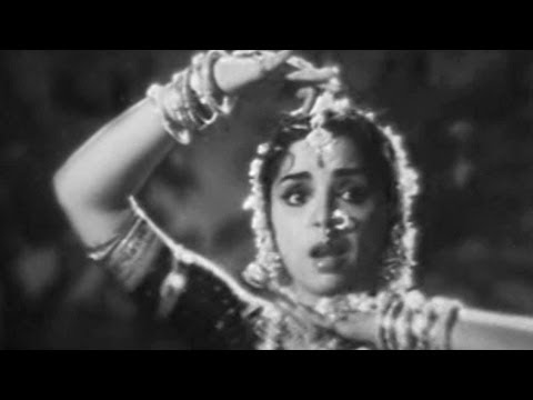 Bobbili Yuddham Songs | Ninu Chera Manasayera | L Vijayalakshmi, Rajanala