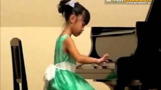 2010.朋香 コンクール本選で、リヒナーのチューリップを演奏しました。...