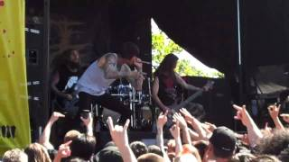 Suicide Silence - Fuck Everything *NEW SONG* Live at Mayhem Fest 7/10/11