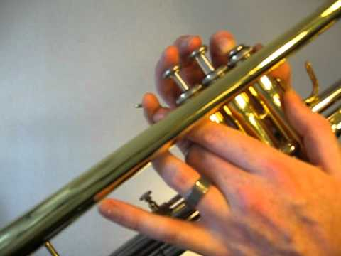 How to play the Trumpet B Major Scale (Concert A)