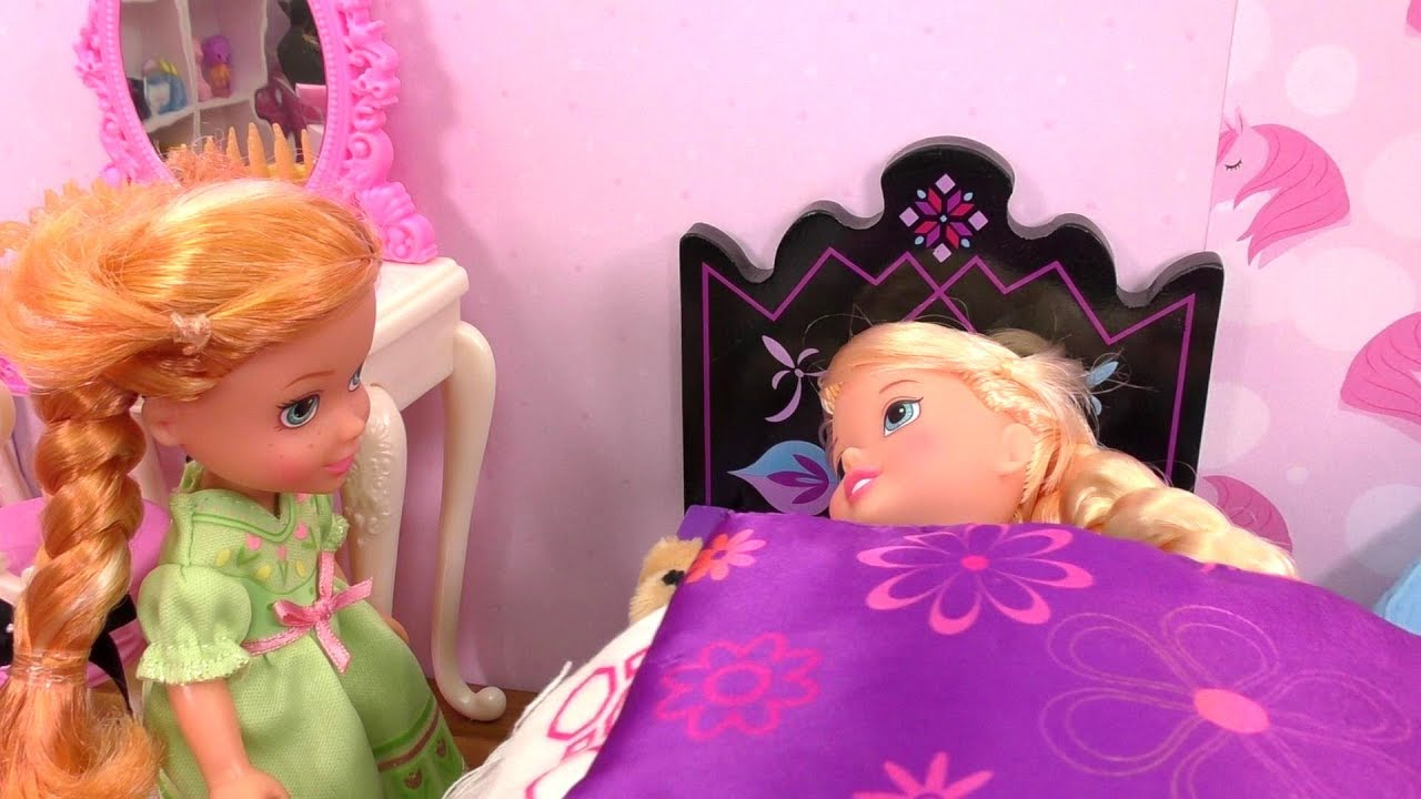 Download Little Elsa is sick ! Elsa and Anna at the Doctor - Barbie - cough - checkup - sore throat