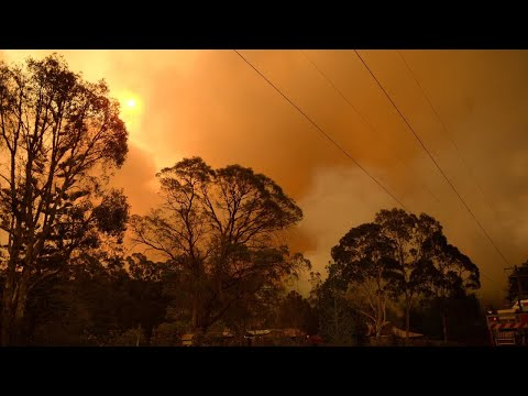 Threat To Lives And Homes As Bushfire Burns In Perth's North