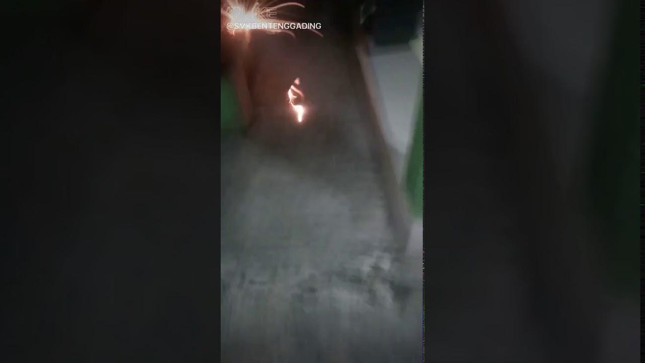 Main kembang api gantung nih 🎆🎆🎆🎆👍👍👍