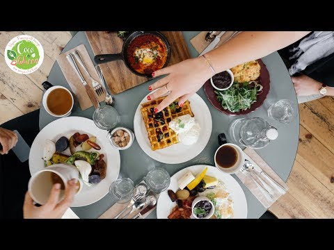 VEGAN FOOD IN LONDON! - TRAVEL VLOG #1