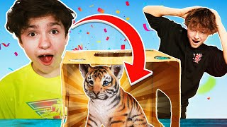 What's in the BOX Challenge W/ GrantTheGoat! **LIVE ANIMALS**