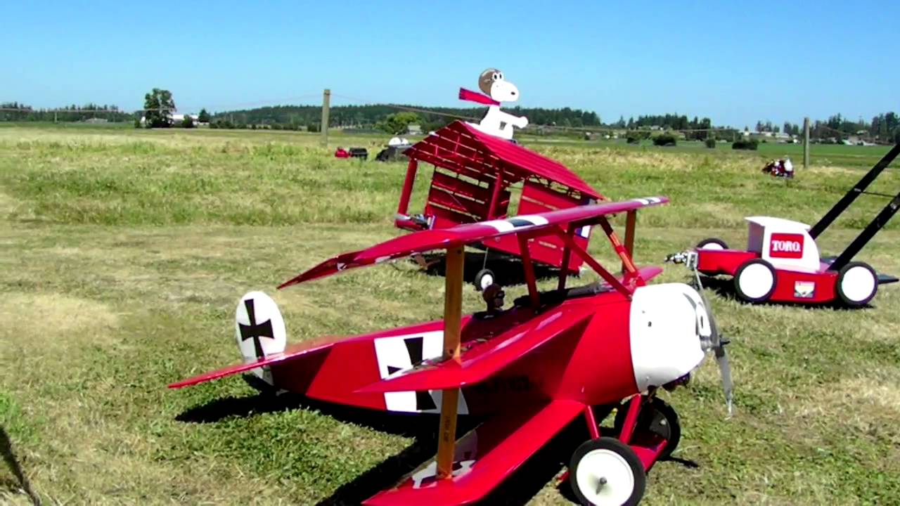 RC Snoopy and the Red Baron