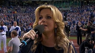 WS2014 Gm1: Trisha Yearwood performs national anthem