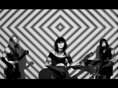 L.A. WITCH -- 'HEART OF DARKNESS' [Official Video]