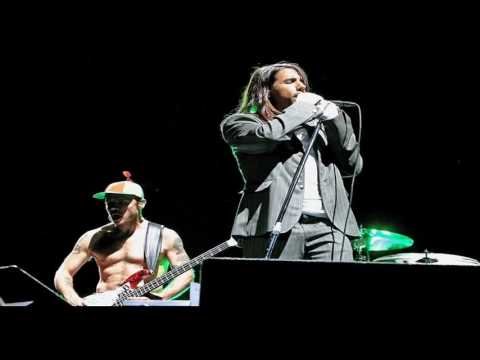 Red Hot Chili Peppers Las Vegas 2005 (Full Show)