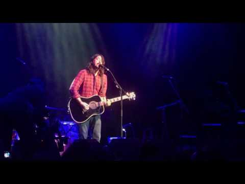 """Dave Grohl """"Everlong"""" @ The Fillmore (Acoustic 4 A Cure) - San Francisco 5/15/2017"""