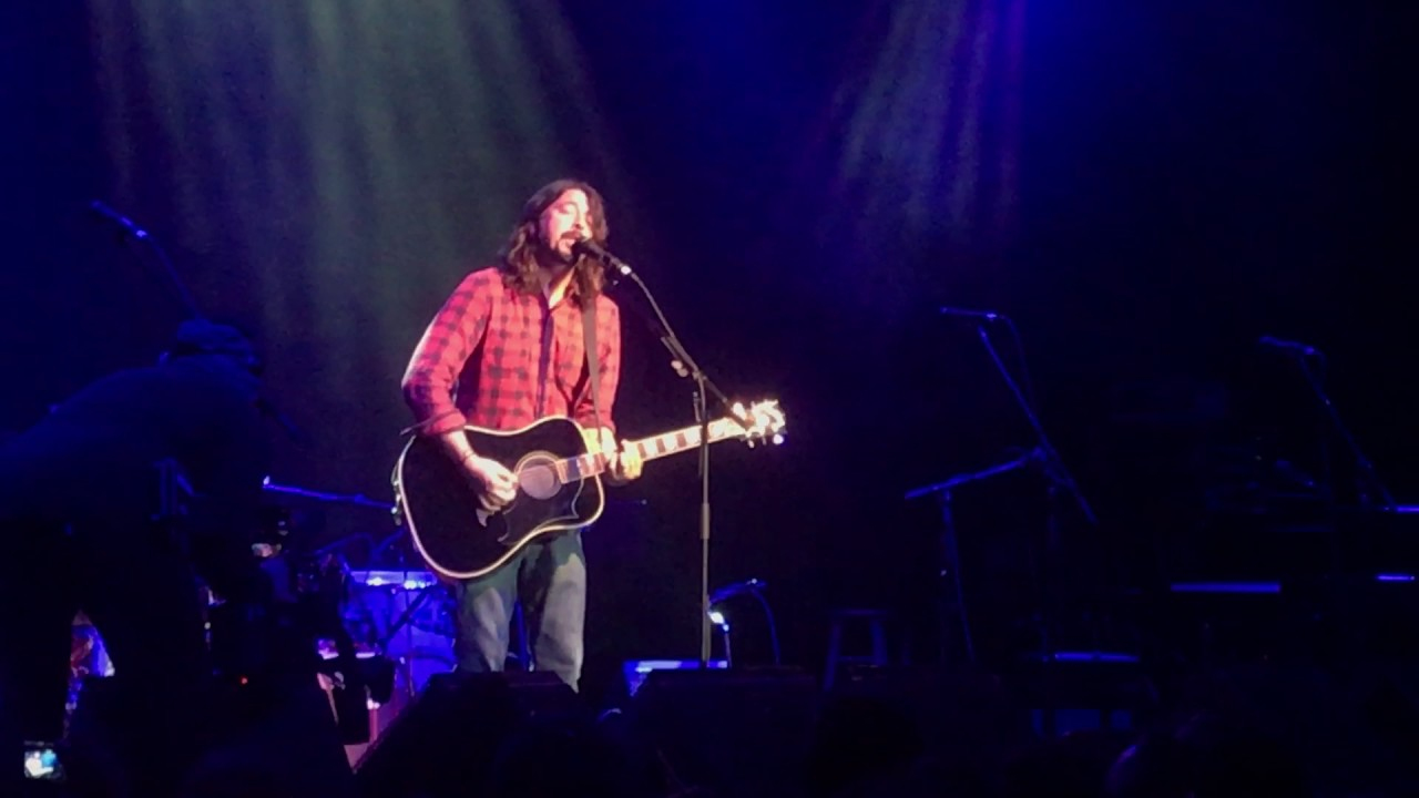i wanna meet dave grohl live acoustic