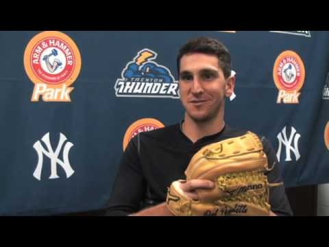 A Look at Baseball's only Ambidextrous Pitcher & His Glove: Pat Venditte