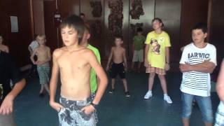 тренировка по хореографии мальчики 4