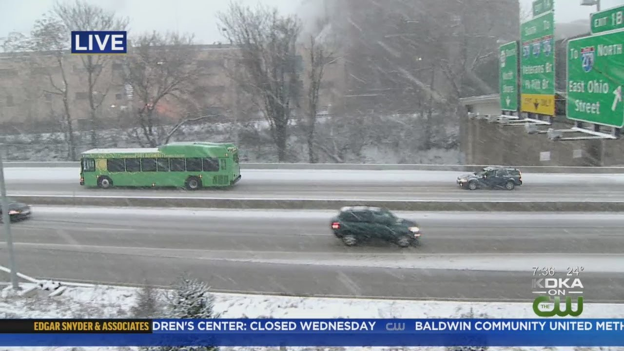 It's snowing in Pittsburgh: Updates on traffic, school closings