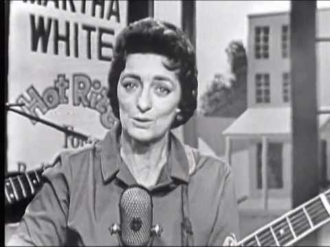 Mother Maybelle Carter - Wildwood Flower LIVE!