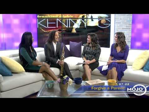 "Kenny G Performs ""Deck the Halls"""