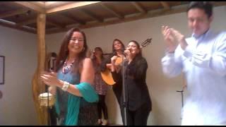 """El Grupo Evocación canta """"Chica Linda"""" del maestro Carlos Rubira Infante"""