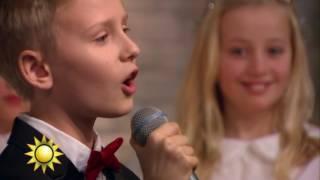 Luciakören sjunger