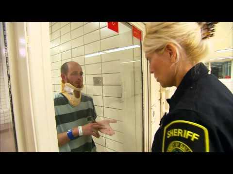 Die härtesten Gefängniswärterinnen Doku S01E02 [GERMAN/FULL]