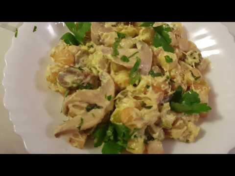 pommes-de-terre-à-la-sauce-blanche-(crème-fraîche,-champignons-et-olives)-très-simple-et-rapide