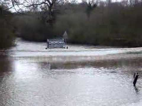 Land Rover Defender 90 Deep Water Crossing Youtube