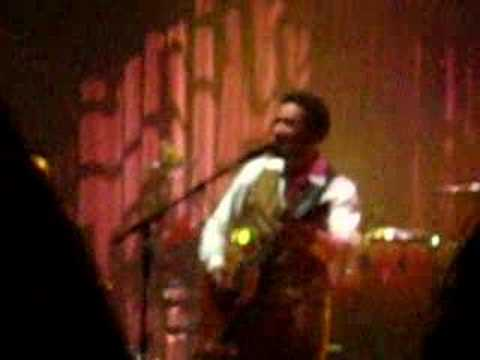 Ben Harper Picture In A Frame At The Paramount Youtube