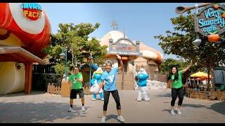 Dance with Smurfette and Vanity Smurf | Dubai Parks and Resorts™
