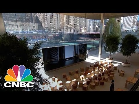 Apple's New Flagship Store In Chicago Is Its Most Amazing Store Yet | CNBC