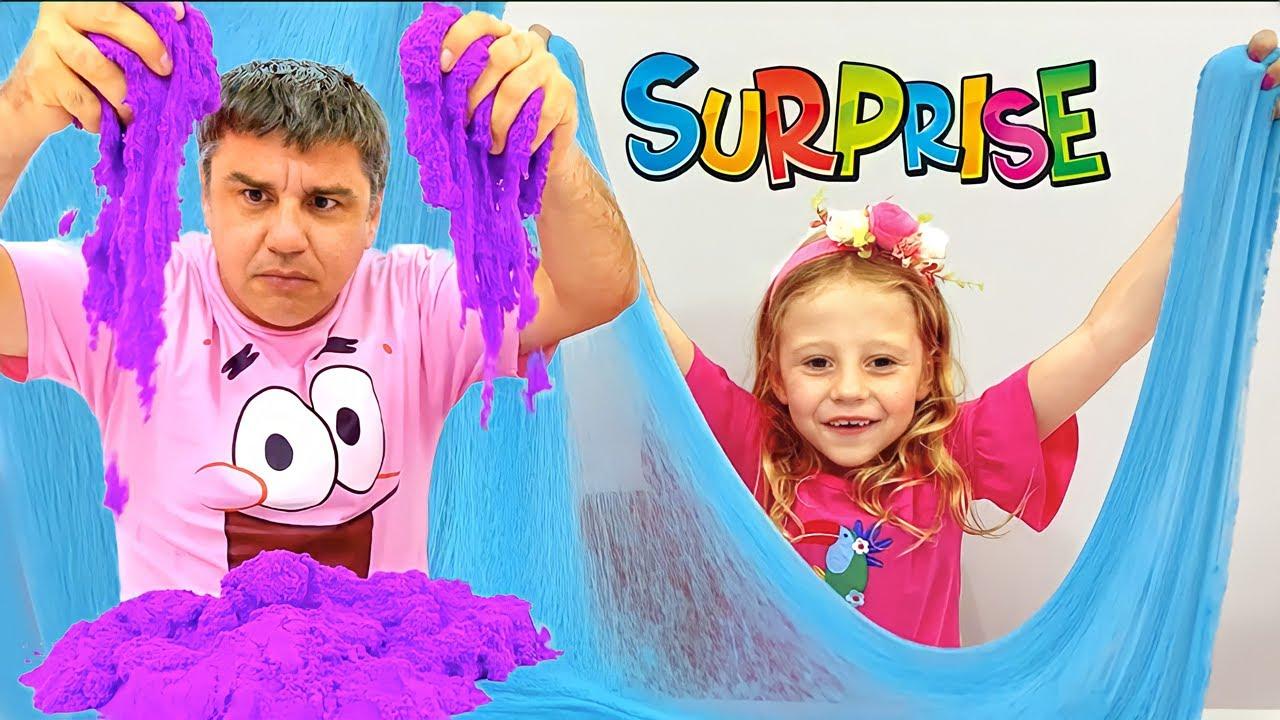 Nastya ve baba renkli sürpriz yumurtalarla oynuyormuş gibi yapıyor