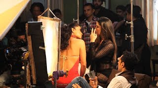 Repeat youtube video Sunny Leone Liplocks With Sandhya Mridul | Making Of Ragini MMS 2