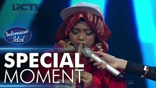 Video Siapa yang bisa main suling seperti Ayu? - Spekta Show Top 10 - Indonesian Idol 2018 download MP3, 3GP, MP4, WEBM, AVI, FLV Oktober 2018