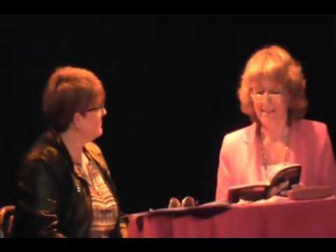 Presentación del libro de Liliana Quevedo La violencia de tu voz. Una sola vida en Teatro Talía