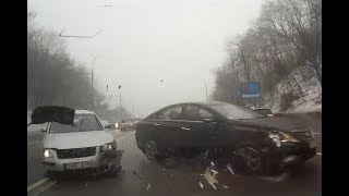 Russian Dash Cam Car Videos and Driving Fails - February 16, 2019