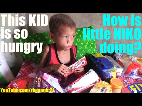 Someone Please Feed this STARVING Poor Filipino Child! Making Poor Filipino Children Happy. POVERTY