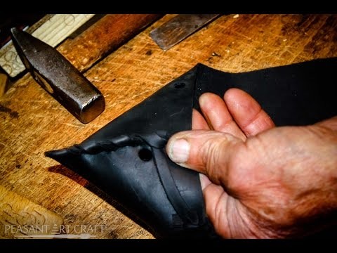 Artisan Hancrafting Folk Leather Shoes