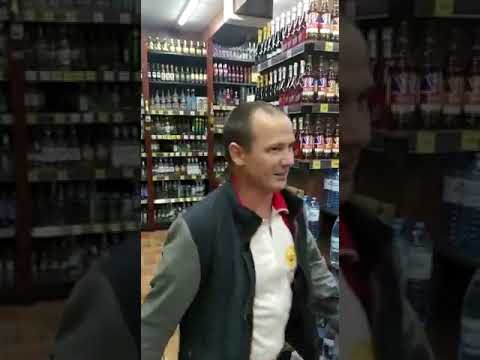 """Герой в Магазине """"Красное белое"""""""
